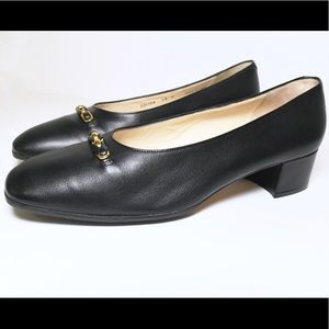 Bally Black Leather Classic Pump low heel Size 10M